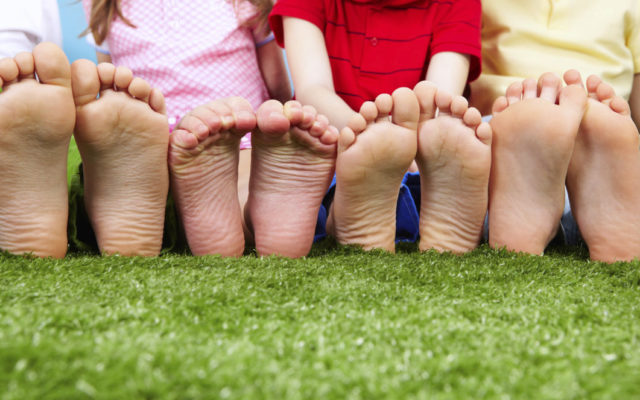 Παιδικοί πάτοι – 8 λόγοι για να ελέγξετε τα πέλματα του παιδιού σας