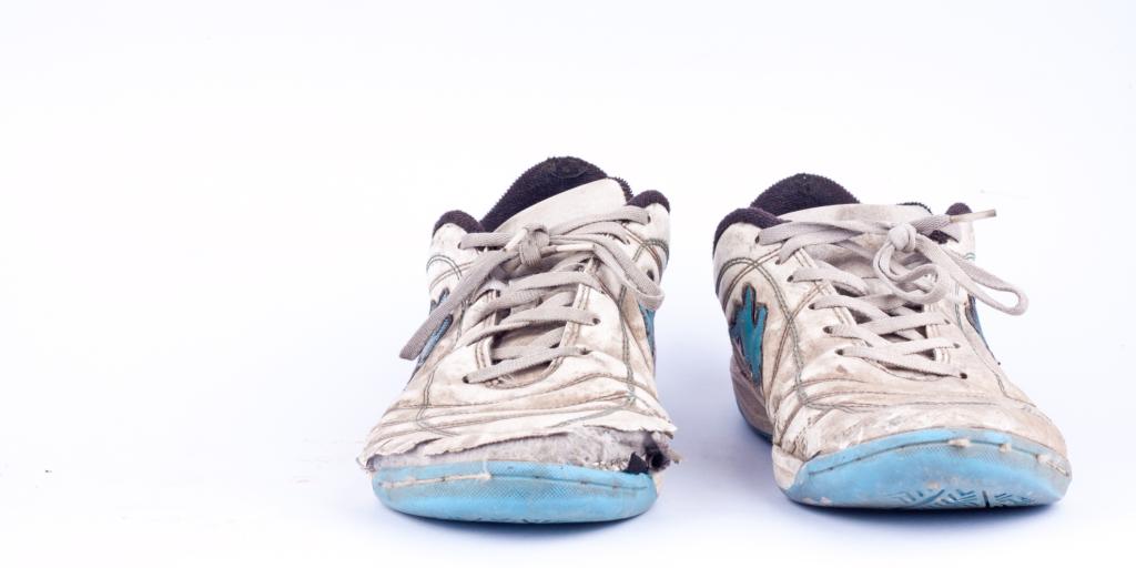 wornoutshoes-1024x512.png